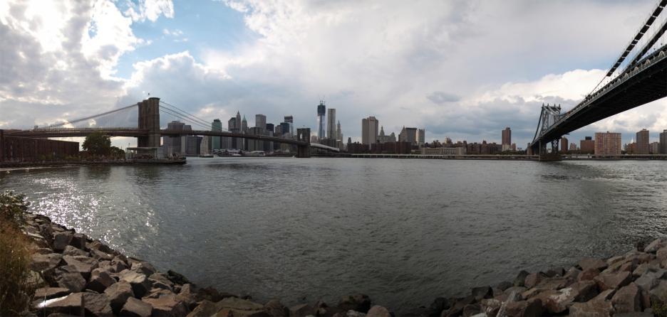 Pan_Brooklyn_Bridge_small